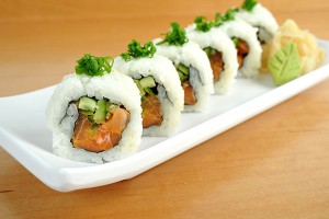 spicy-salmon-maki